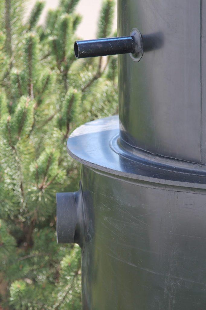 Септик Евродиамант. Отводящие трубы